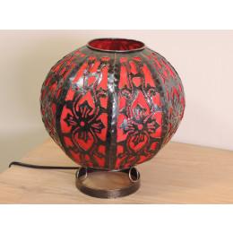 Lampe en acier sculpté ronde rouge 22 cm