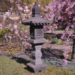 Lanterne japonaise pagode en pierre de lave 1.25 m