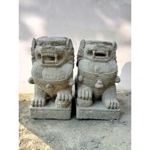 Deux Statues jardin chien Fu Foo lion pierre volcanique 60 cm