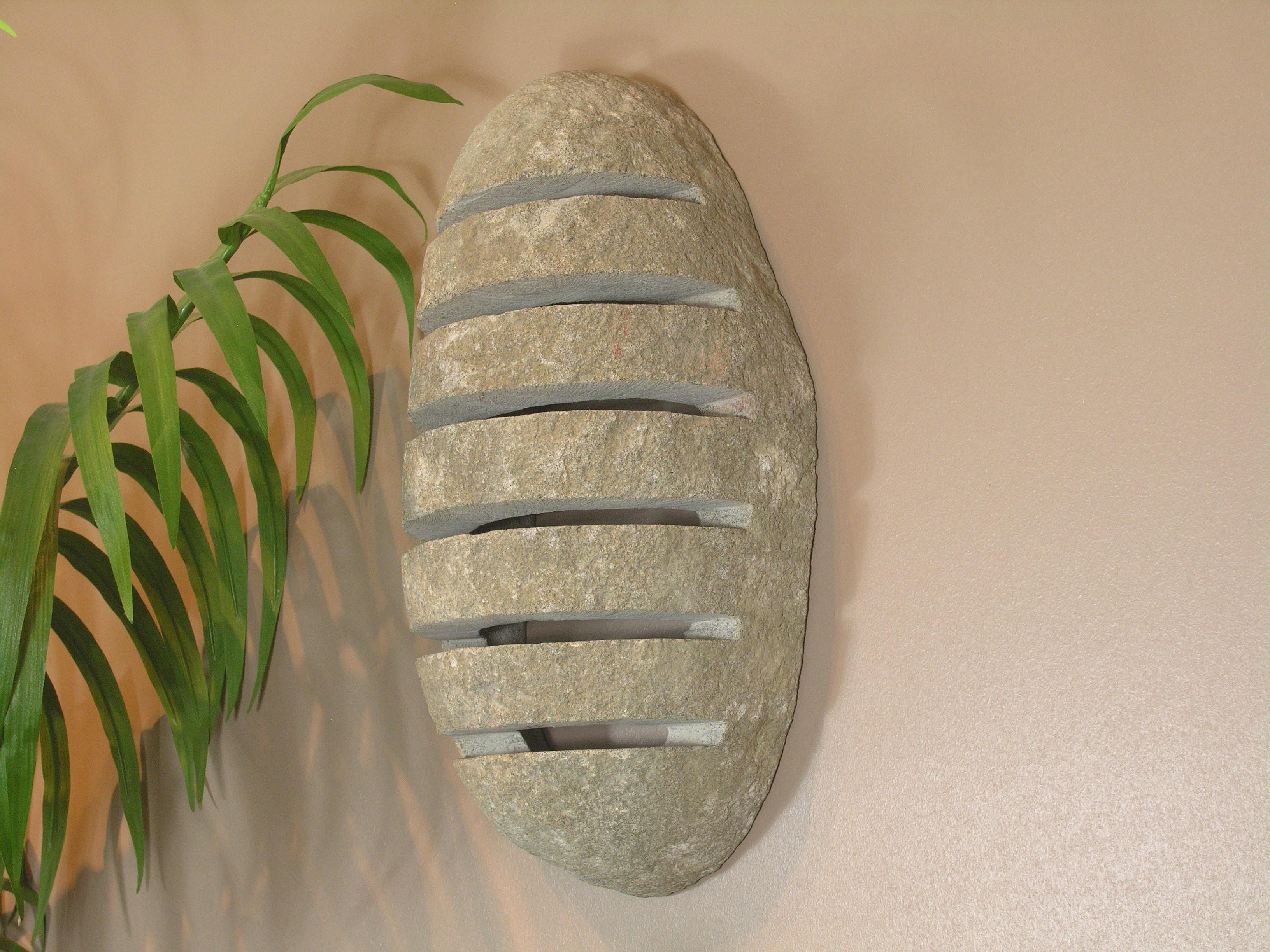 Plafonnier galets translucide marque place galet for Applique salle de bain galet