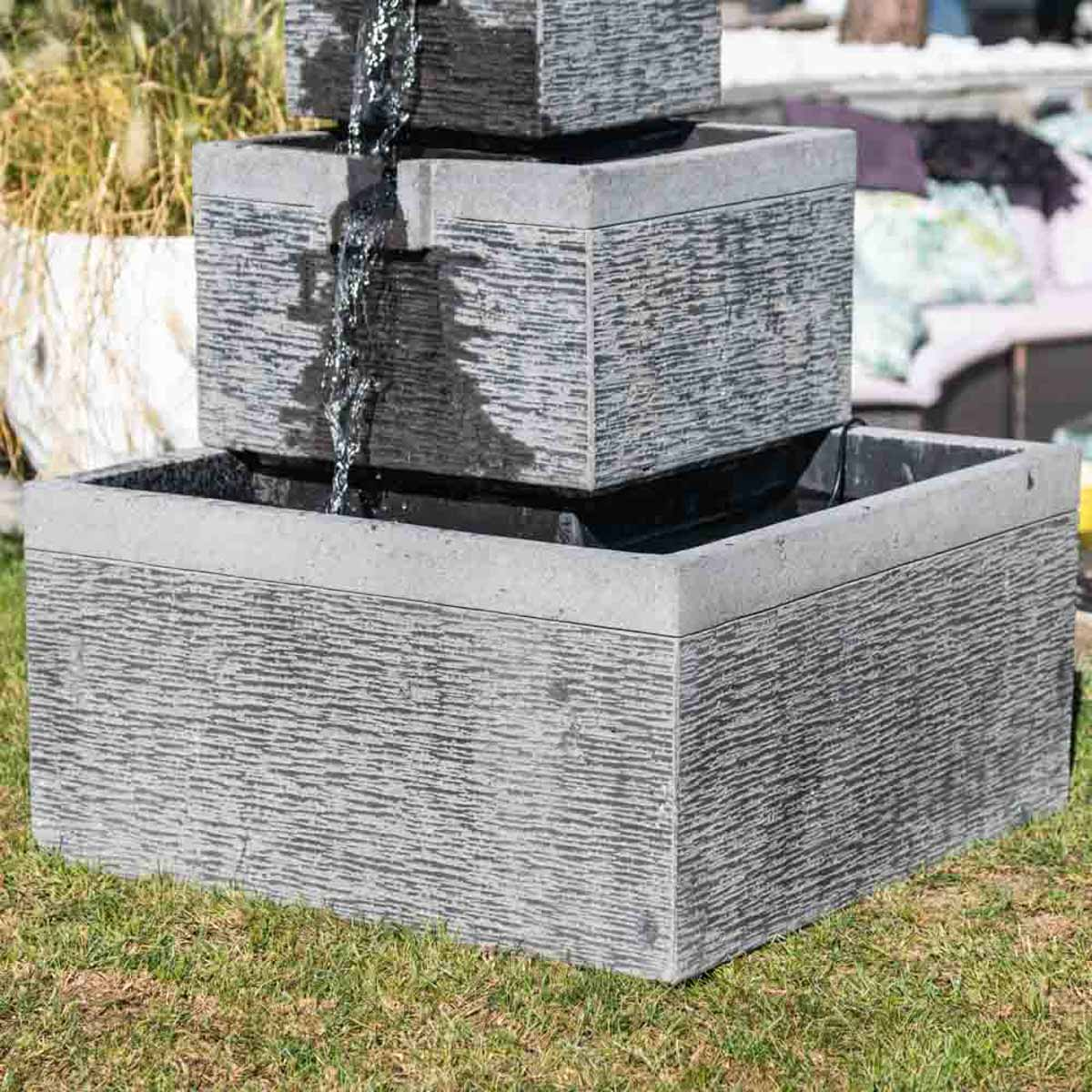 fontaine de jardin fontaine d bordement bassin carr 4 coupes noire grise h 106 cm. Black Bedroom Furniture Sets. Home Design Ideas