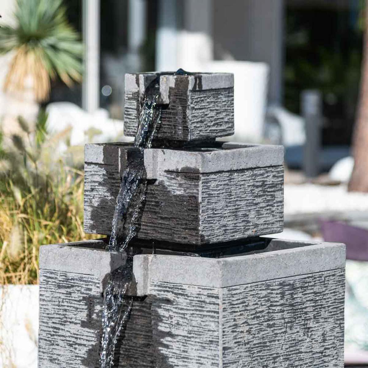 Fontaine de jardin bassin carr 4 coupes noir gris - Fontaine pour terrasse ...
