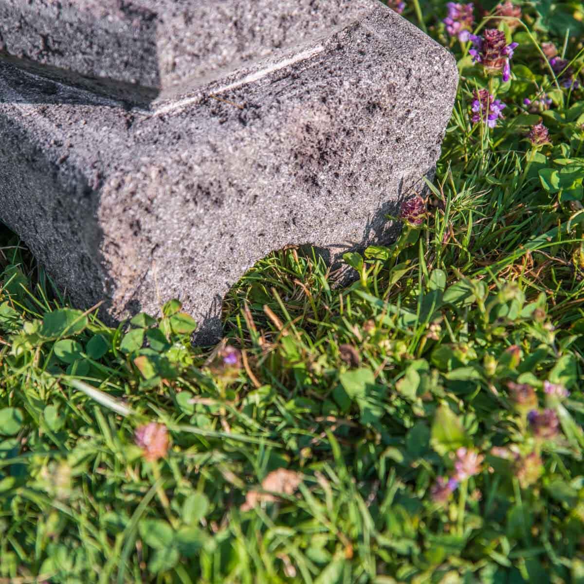 Lampe de jardin en pierre de lave : naturel, H : 50 cm
