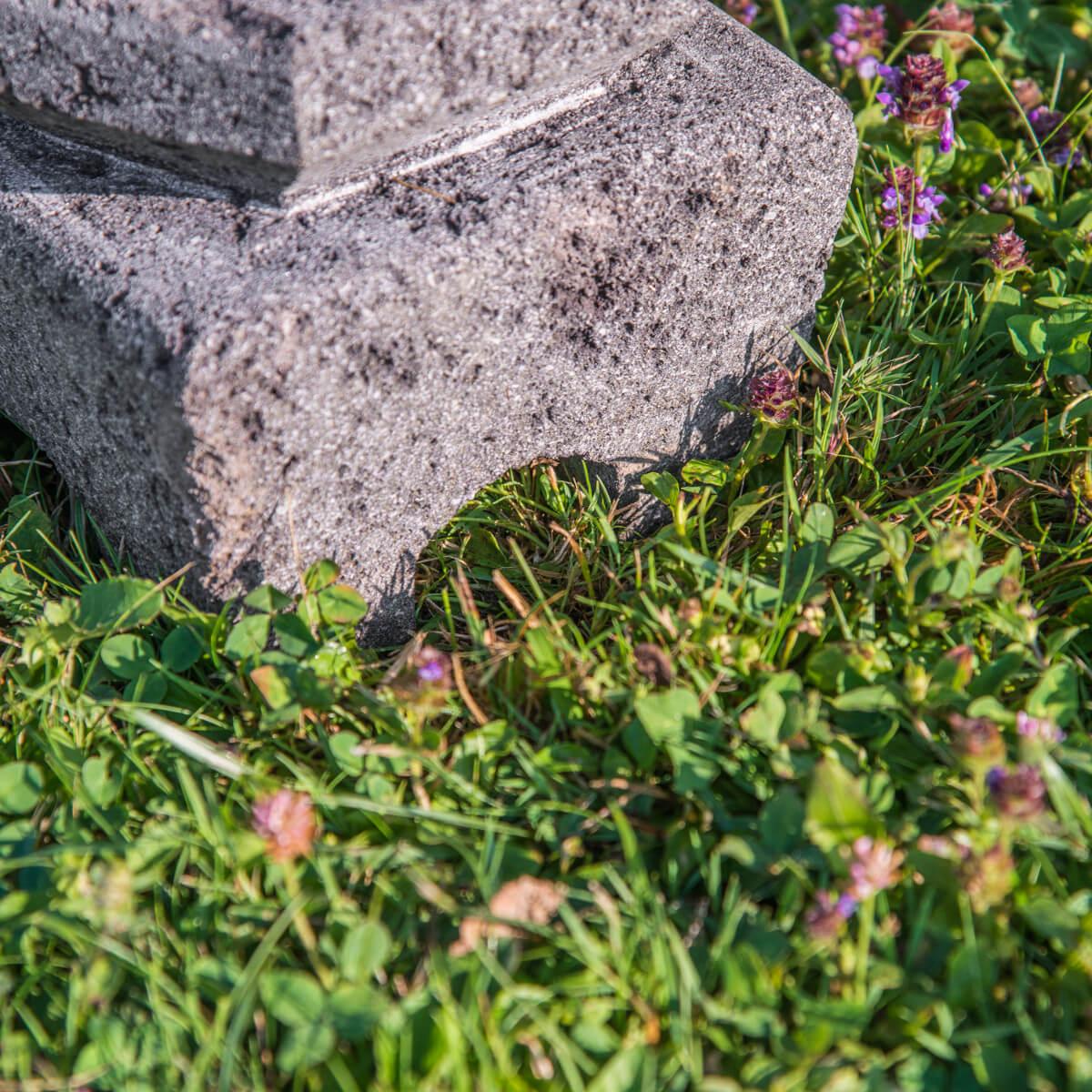 Lampe de jardin en pierre de lave naturel h 50 cm - Table de jardin en pierre de lave ...
