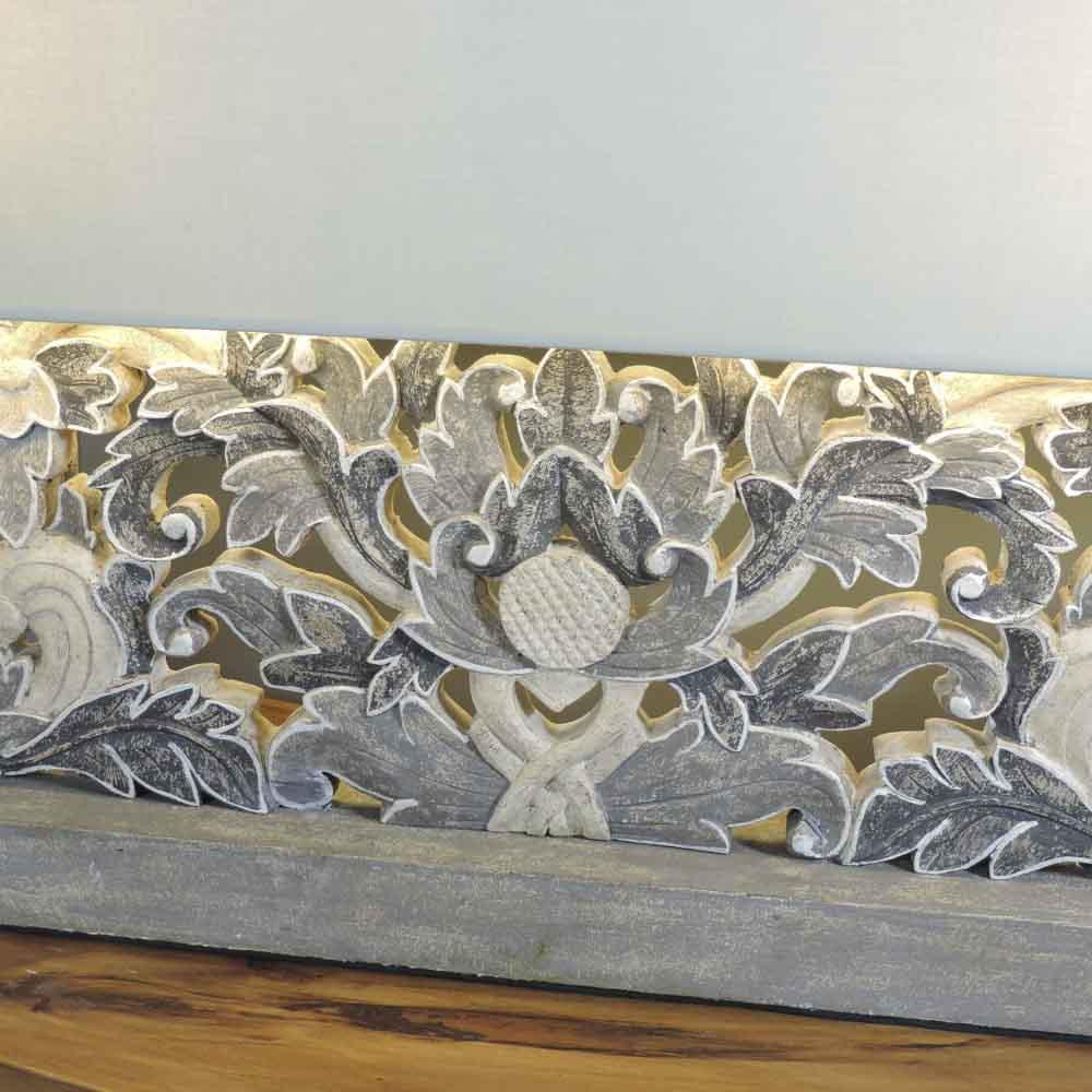 lampe poser arabesques et fleurs en bois patin charme rectangulaire gris h 56 cm. Black Bedroom Furniture Sets. Home Design Ideas