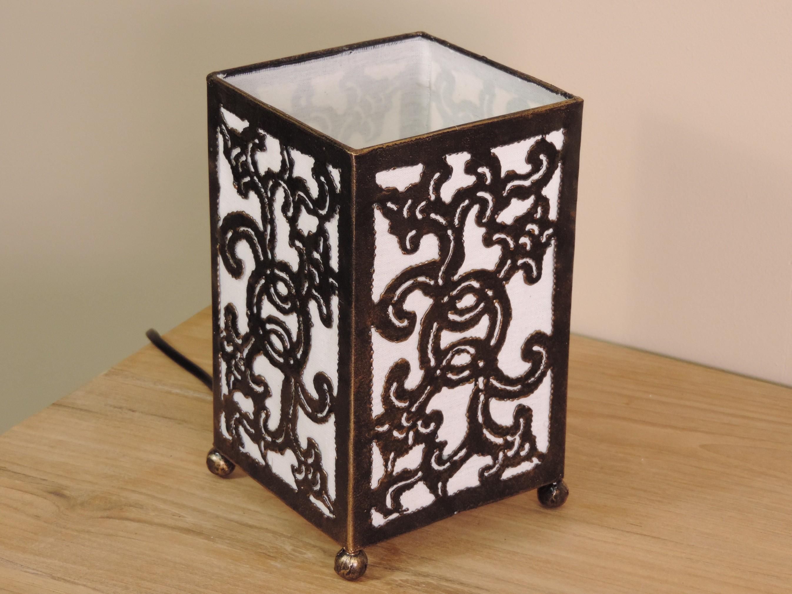 Lampe en fer forg rectangle blanc 12 cm hauteur 20 cm - Lampe fer forge ...