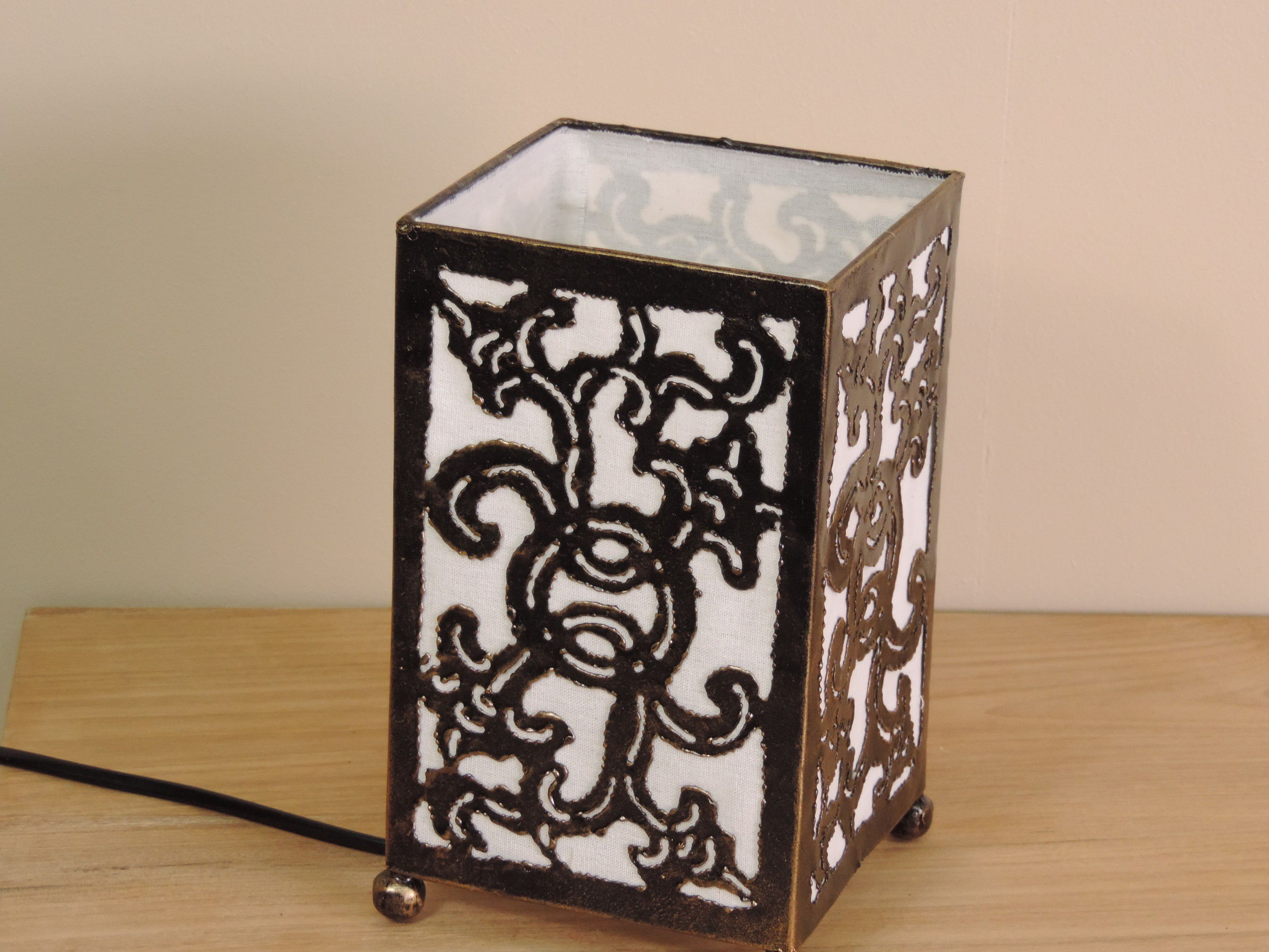 neuf lampe en fer forg rectangle blanc 12 cm hauteur 20 cm ebay. Black Bedroom Furniture Sets. Home Design Ideas