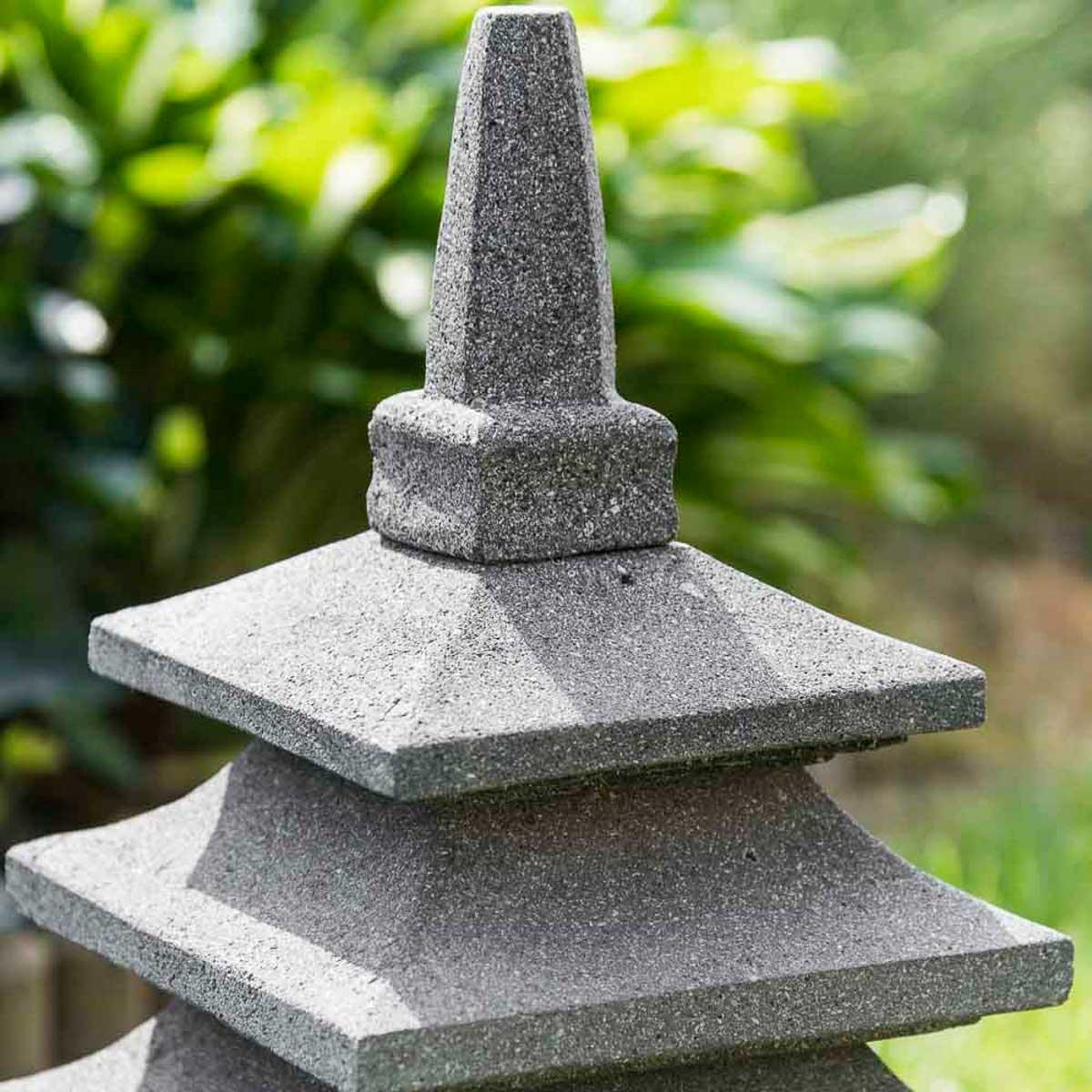 Lampe japonaise en pierre de lave : naturel, H : 50 cm