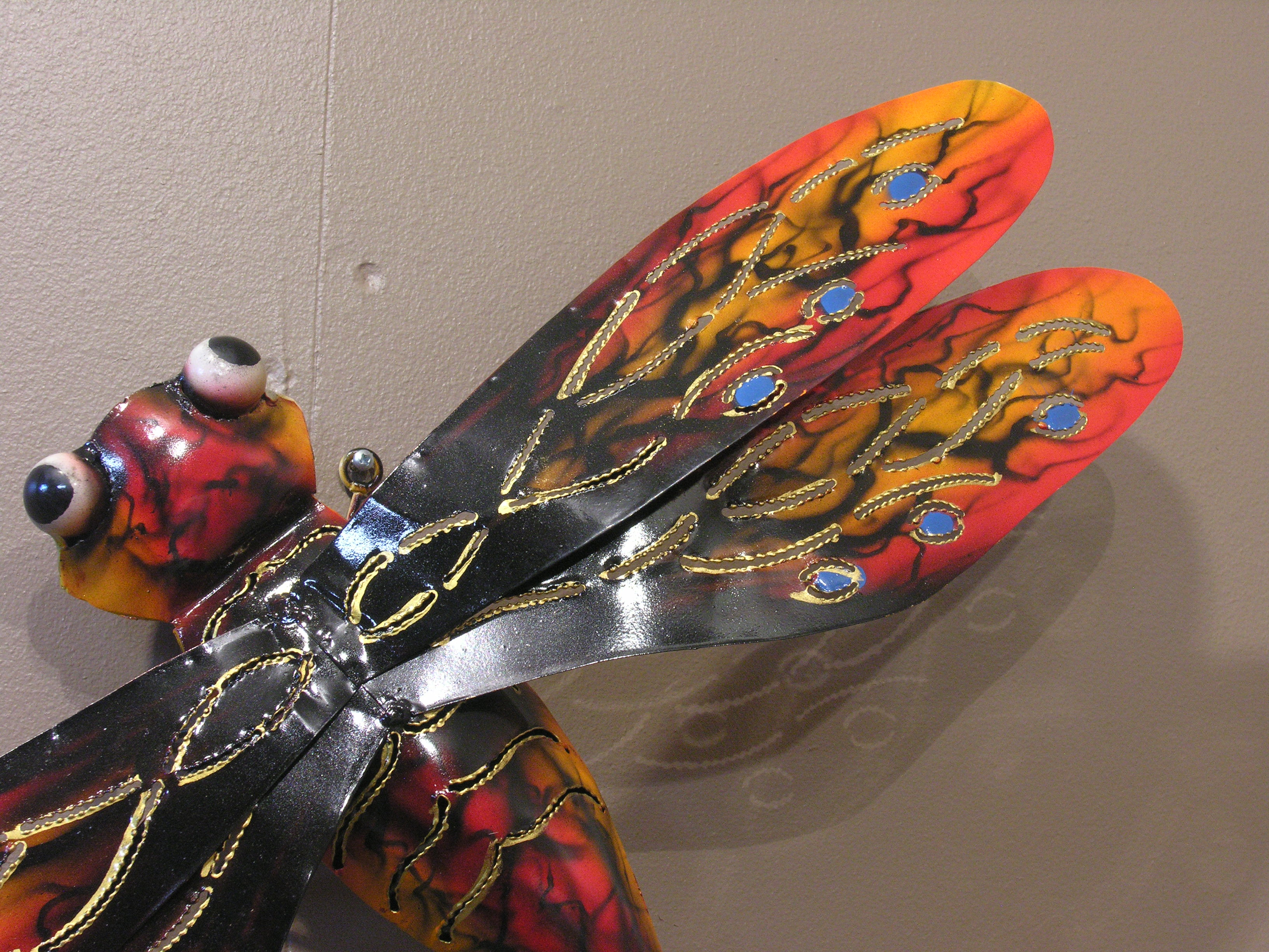 Libellule acier color d coration murale 67cm for Decoration murale acier