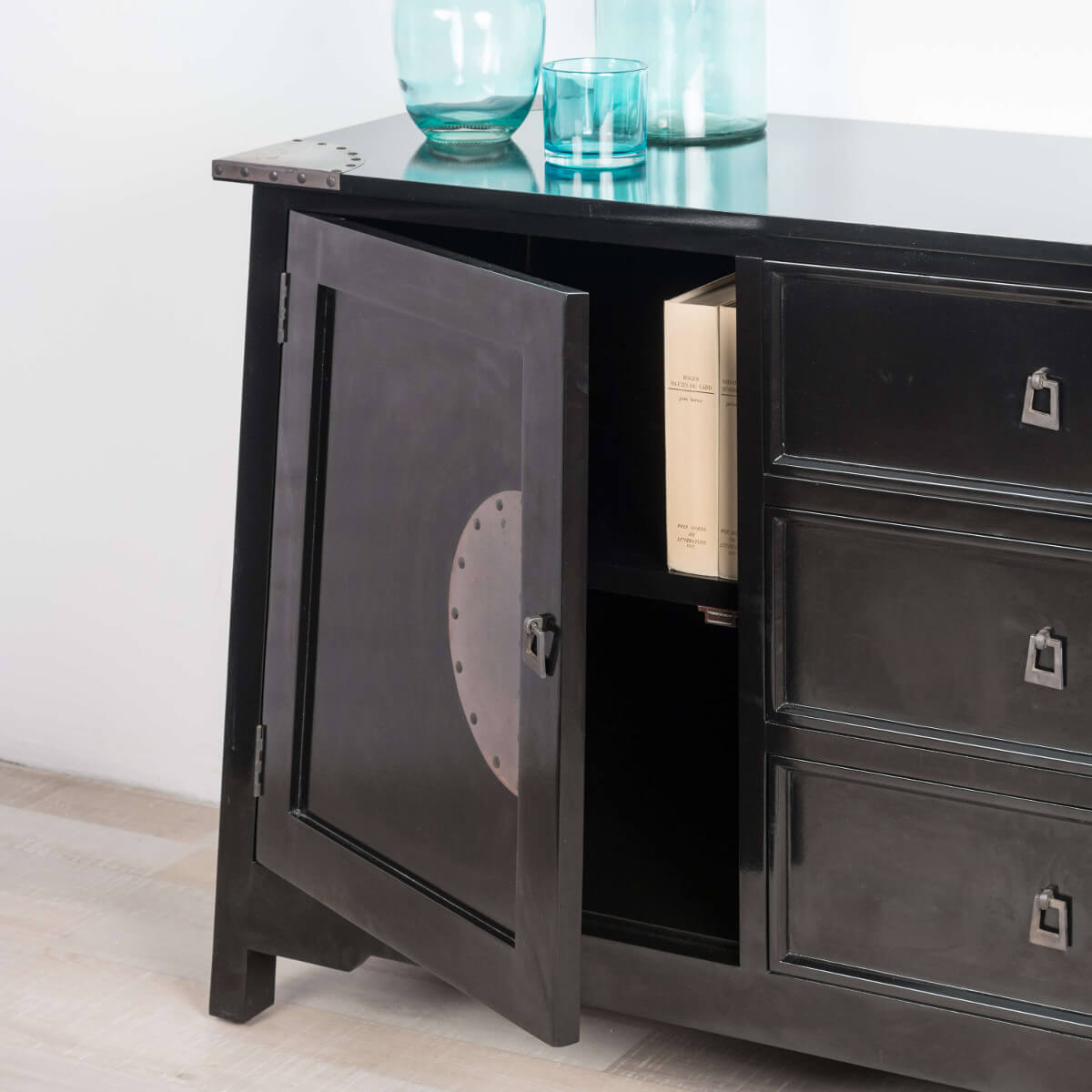 buffet de salon en bois d 39 acajou massif thao rectangle noir l 160 cm. Black Bedroom Furniture Sets. Home Design Ideas