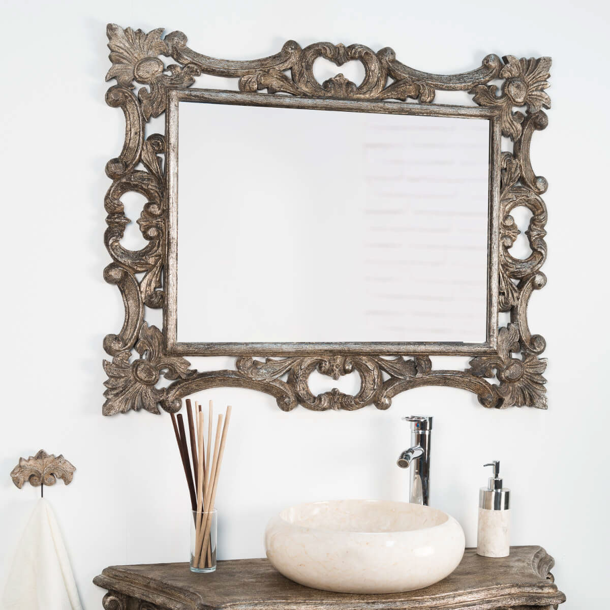 Miroir baroque en bois patin bronze 100cm x 80cm for Miroir 130 x 80