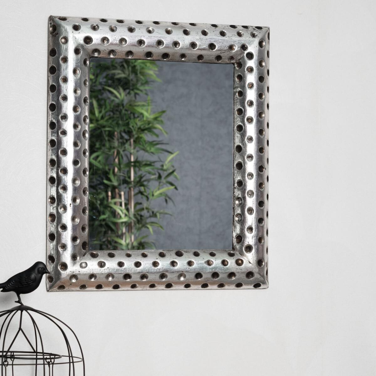Miroir de d coration en bois massif pampelune rectangulaire argent m tal d 50 x 60 cm for Miroir 50 x 90