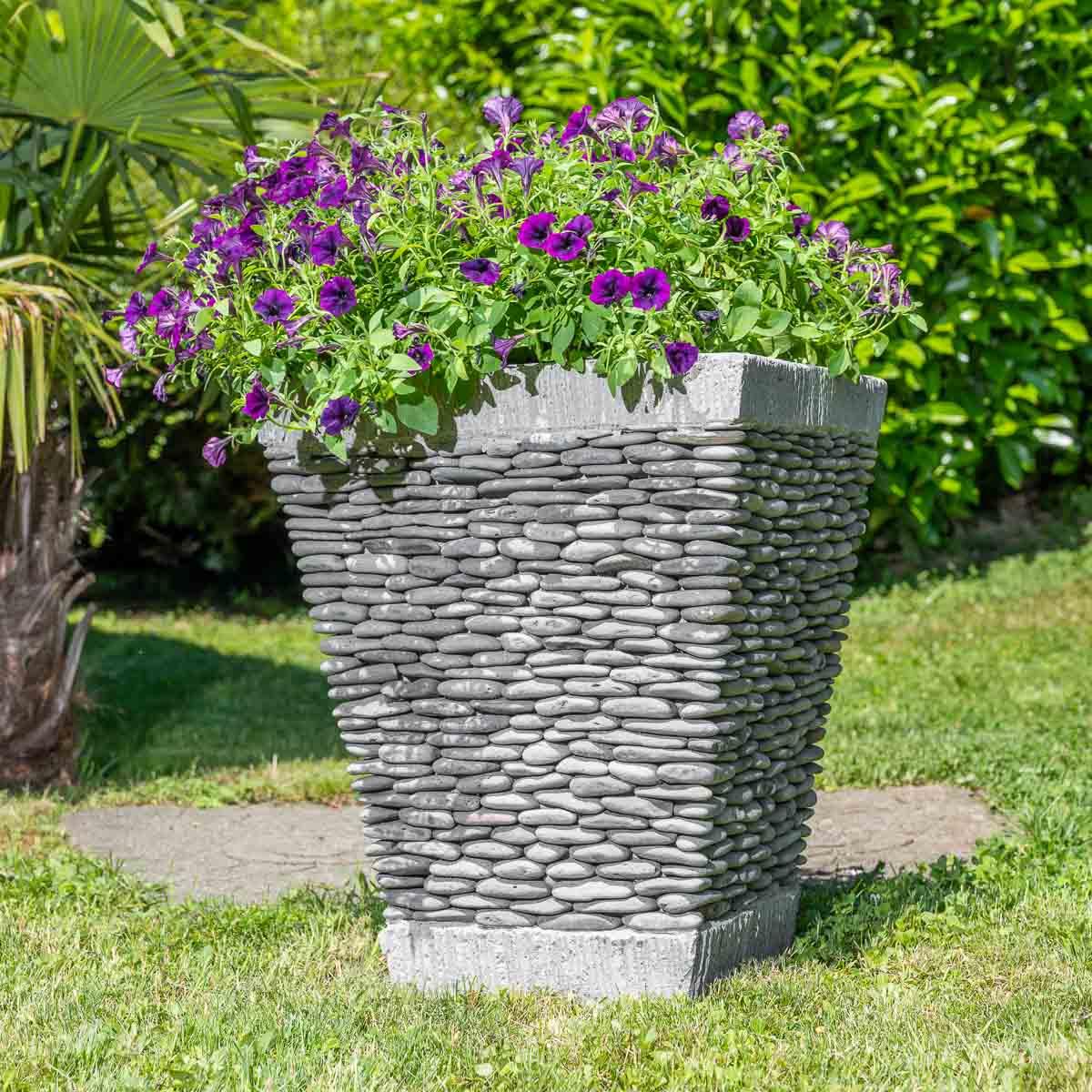 Pot de jardin en galet de rivi re carr naturel h 50 cm for Galet exterieur