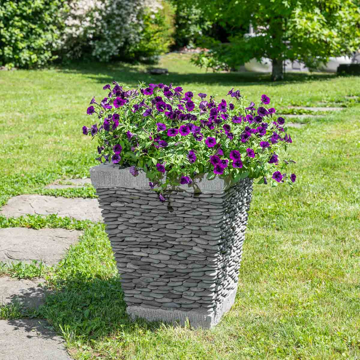 Pot de jardin en galet de rivi re carr naturel h 50 cm for Jardin exterieur