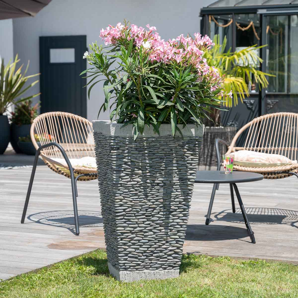 Pot De Jardin En Galet De Rivi Re Carr Naturel H 80 Cm