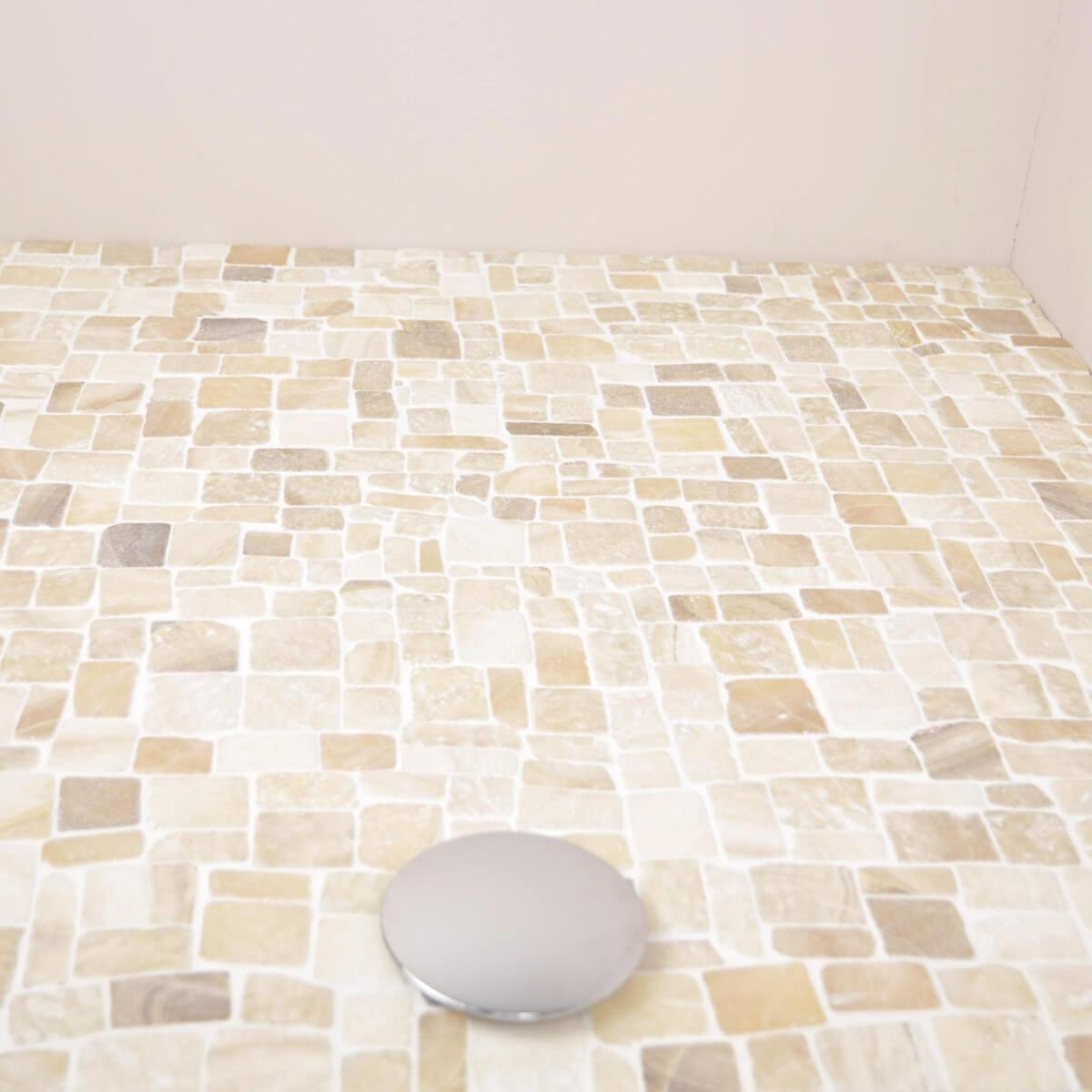Rev tement mosa que en pierre marbre et onyx for Mosaique marbre salle de bain
