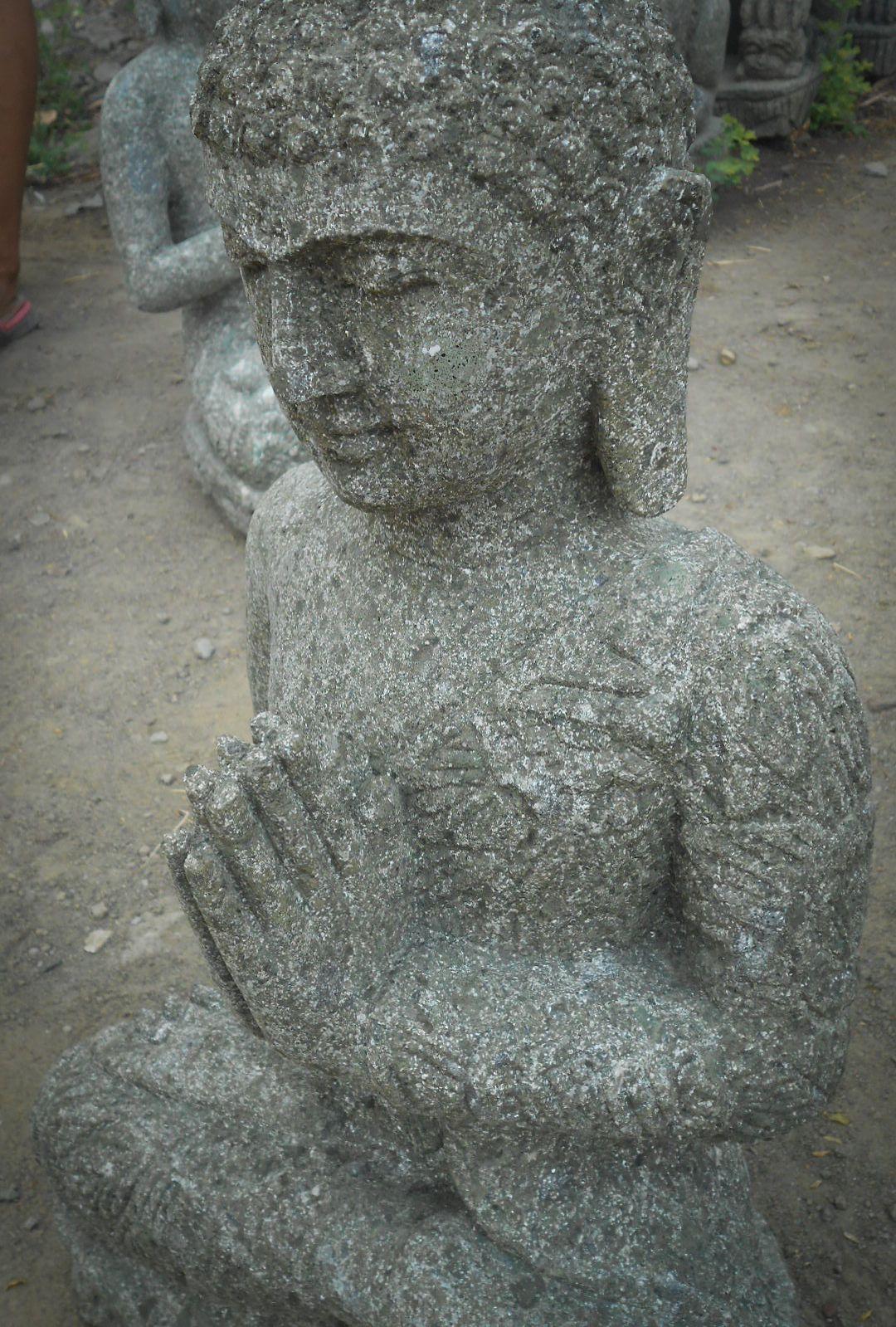 statue jardin exterieur bouddha assis pierre volcanique 61 cm. Black Bedroom Furniture Sets. Home Design Ideas