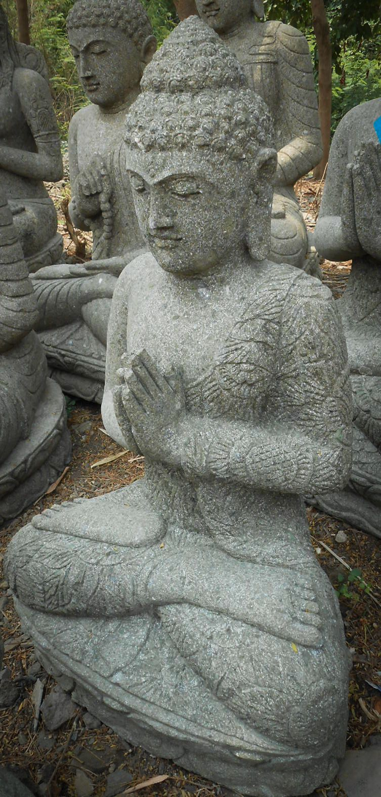 statue jardin zen bouddha assis en pierre volcanique pri re 83cm. Black Bedroom Furniture Sets. Home Design Ideas