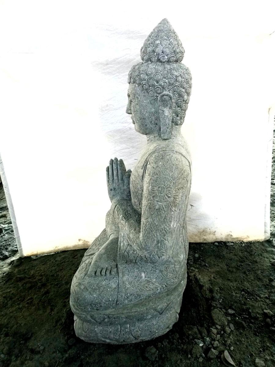 Statue jardin zen bouddha pierre volcanique position - Bouddha jardin zen ...