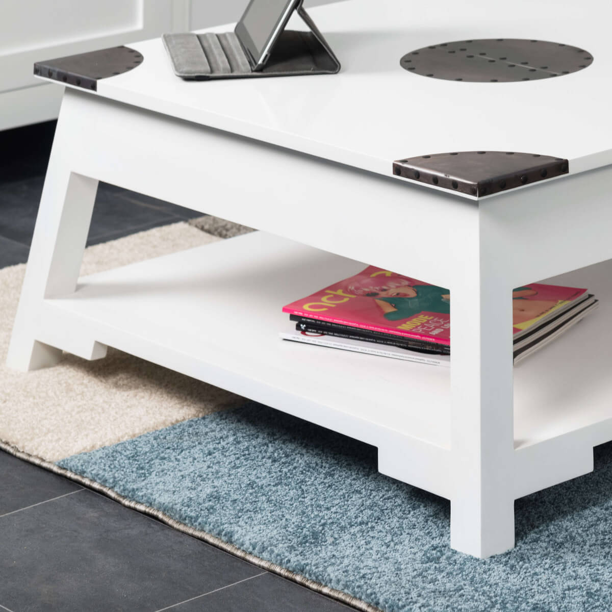 Table basse de salon en bois massif d 39 acajou thao - Table basse blanche bois ...