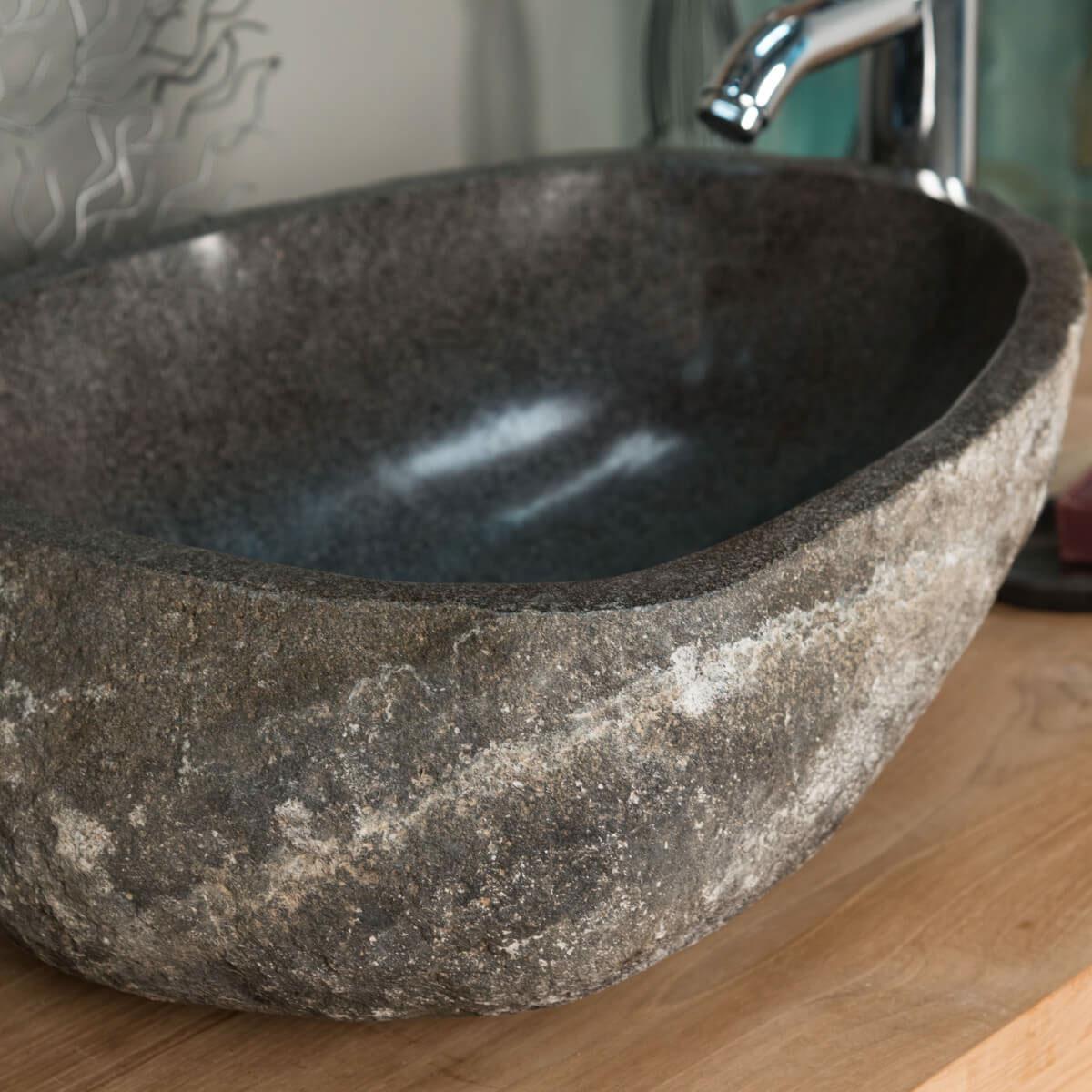 Vasque poser en pierre naturelle vasque naturelle for Lavabo pierre salle de bain