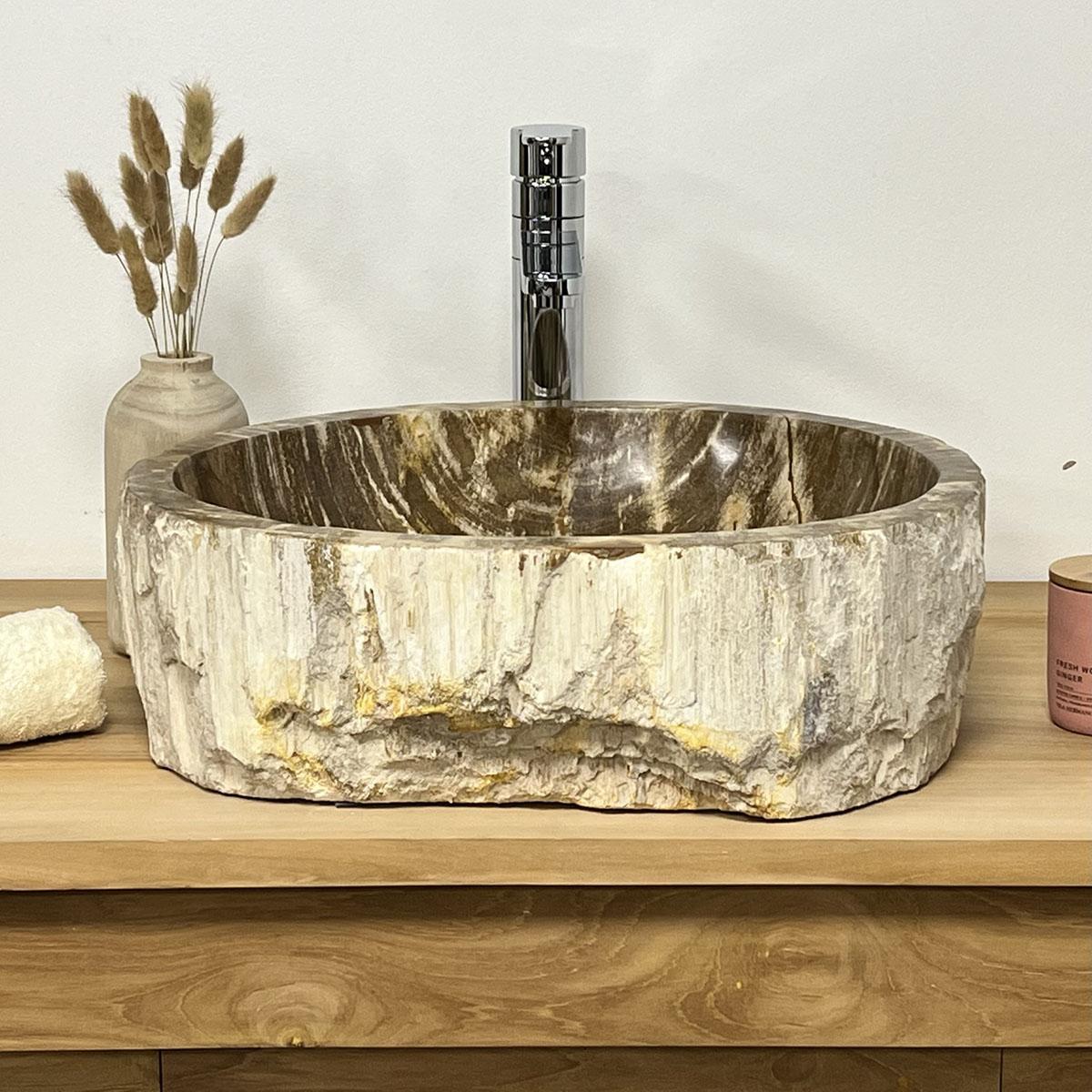 Vasque poser en bois p trifi fossilis marron l 54 cm for Vasque salle de bain en bois