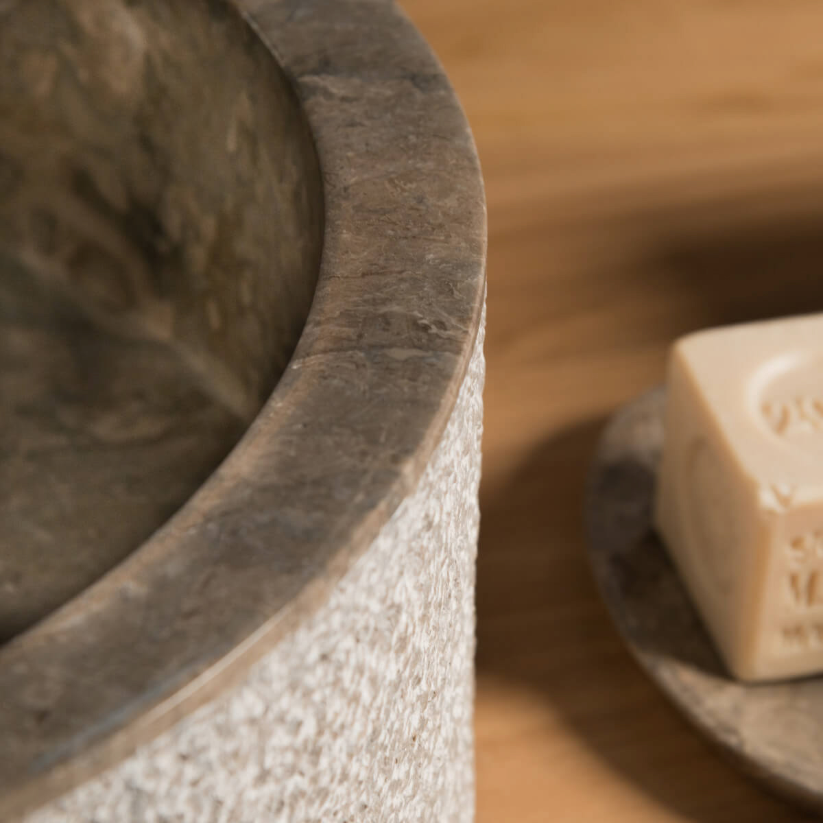 Salle de bain marbre beige avec Plus De Clarté Photos ~ Goohey.com