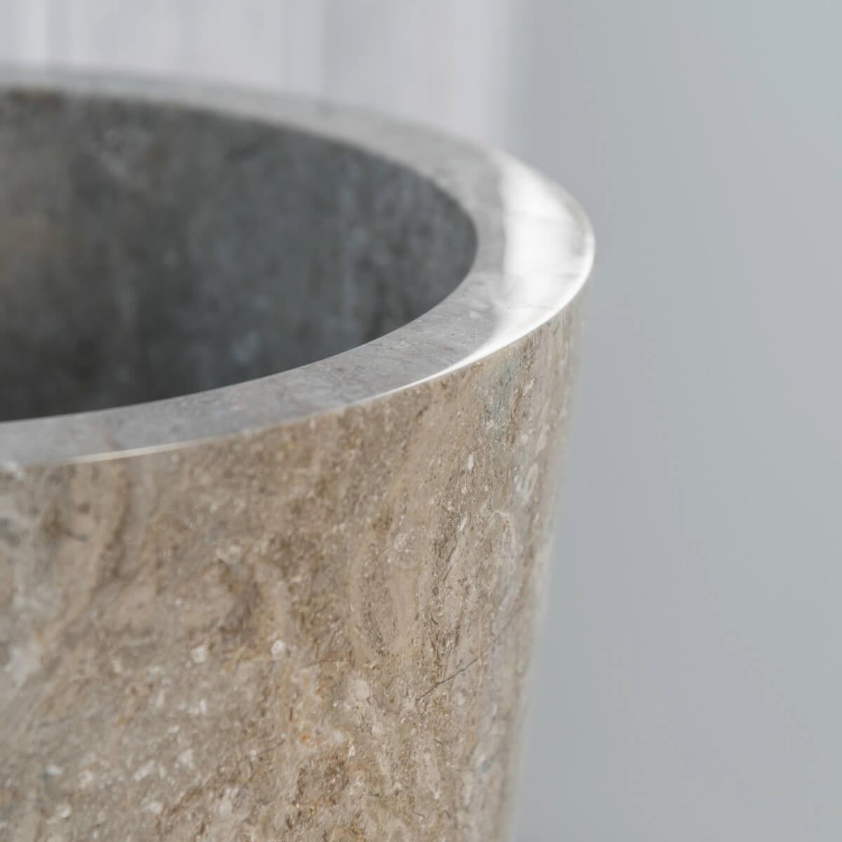 vasque sur pied en marbre florence conique grise h 90 cm