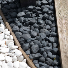 5 sacks of black pebbles 20 kg