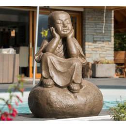 Estatua monje shaolín pensativo pátina gris envejecida 80 cm