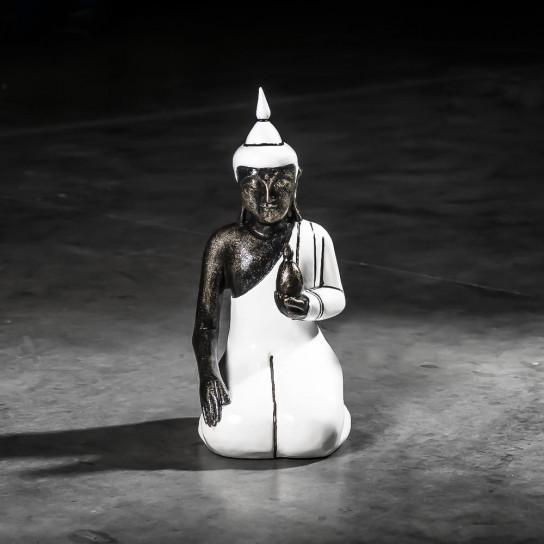 Small white kneeling wellness Buddha - 44 cm
