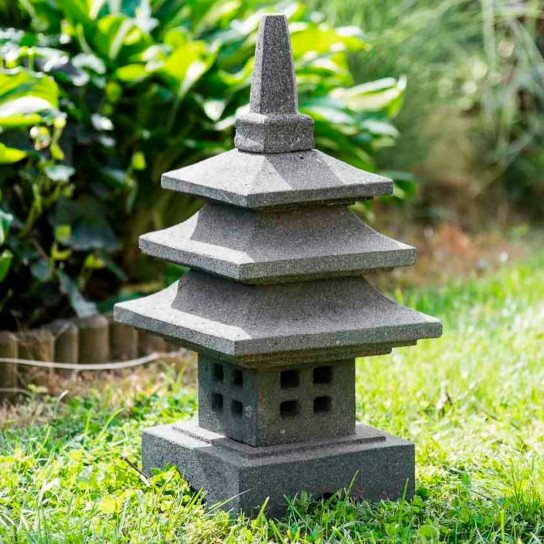 Japanese lava stone garden lamp