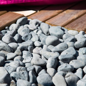 5 sacks of grey pebbles 20 kg