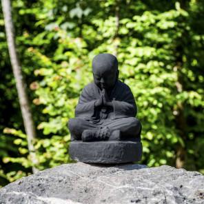Statue moine shaolin assis noir patiné 40 cm