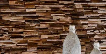 Parement et mosaïque : revêtement en bois de teck massif et mosaïque