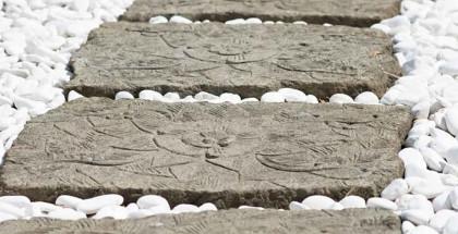pas japonais en pierre naturelle all es dalles traverses pav s de jardin. Black Bedroom Furniture Sets. Home Design Ideas
