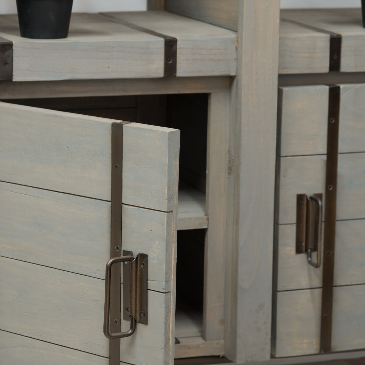 buffet de salon en mindi loft gris 114 cm. Black Bedroom Furniture Sets. Home Design Ideas