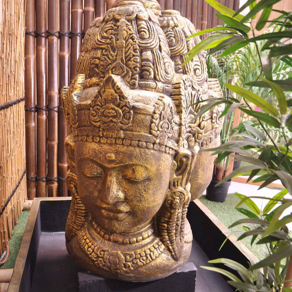 Fontaine de jardin fontaine avec bassin visage de déesse Dewi