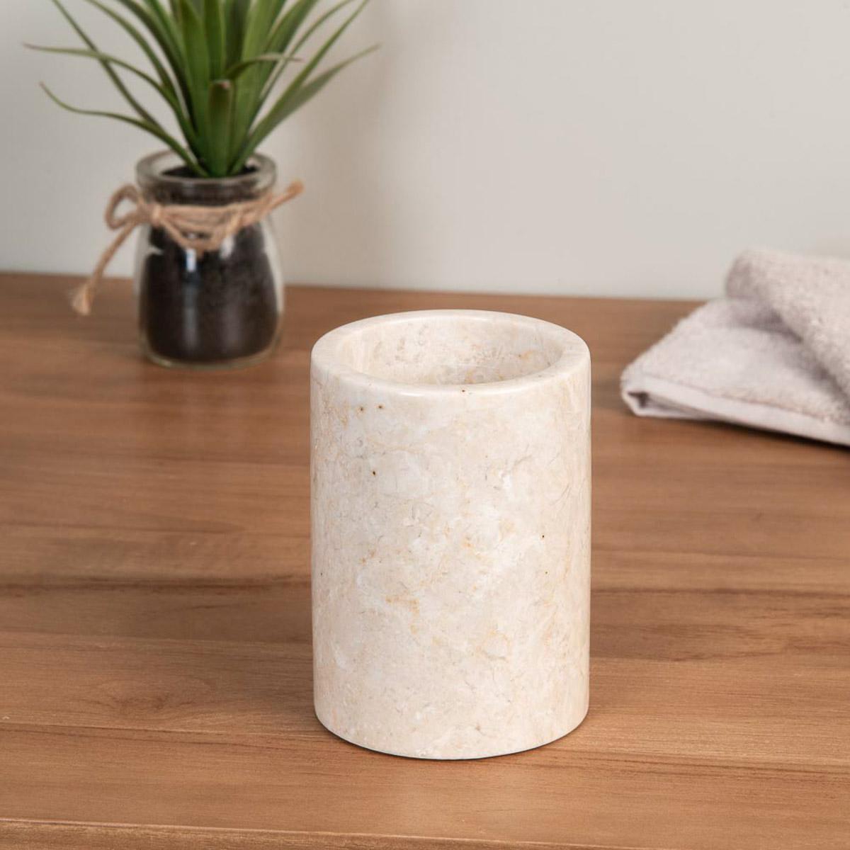 Gobelet de salle de bain en marbre cr me d 7 5 cm for Accessoire salle de bain marbre
