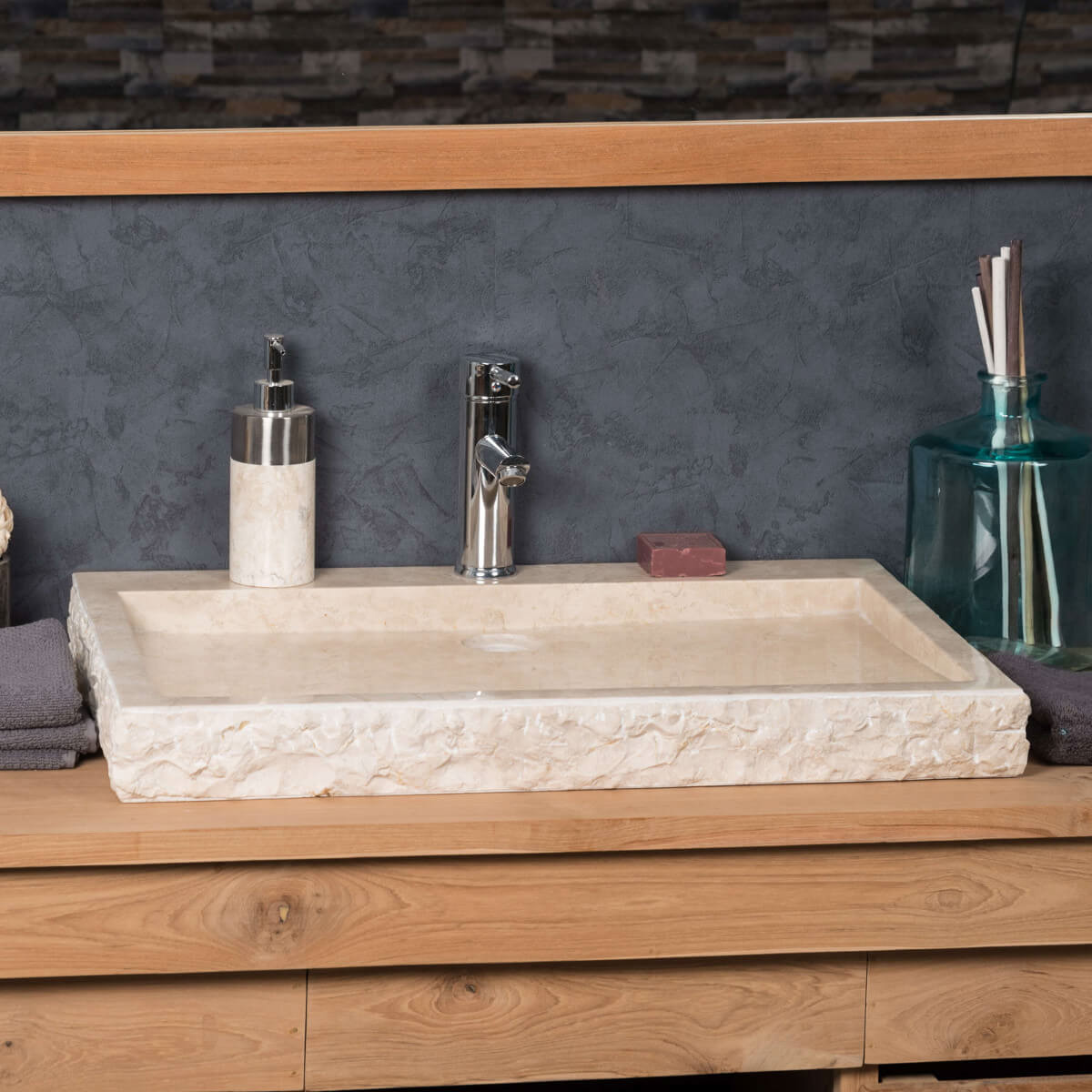 vasque poser en marbre cosy ronde cr me d 70 cm. Black Bedroom Furniture Sets. Home Design Ideas