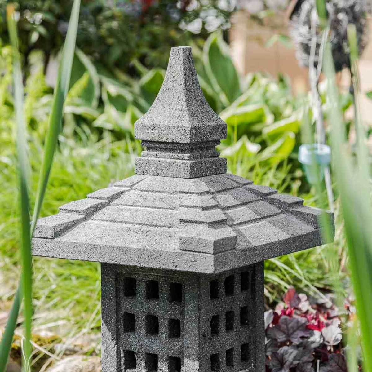 unique lanterne japonaise jardin id es de salon de jardin. Black Bedroom Furniture Sets. Home Design Ideas