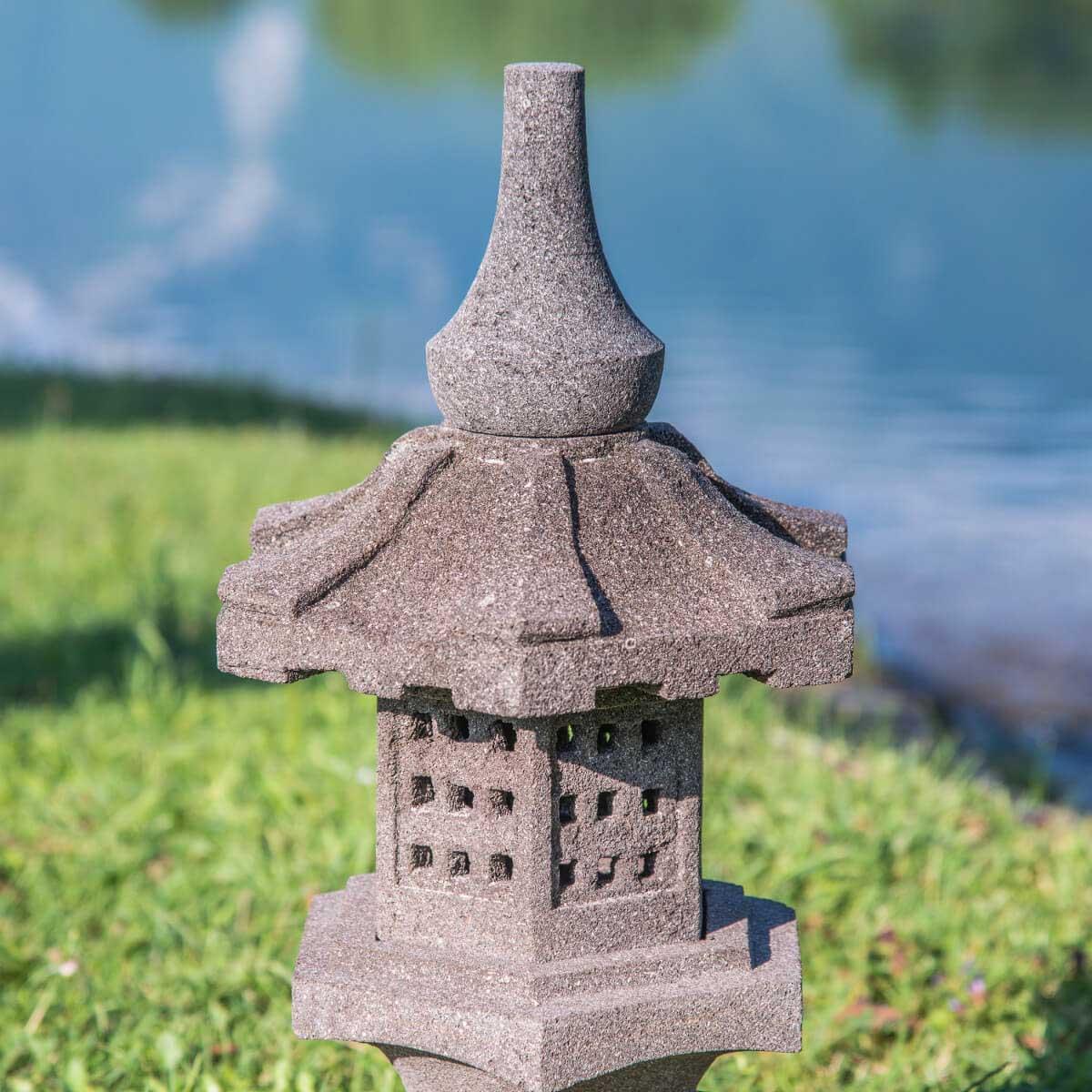 Lanterne japonaise toro en pierre de lave 55cm - Lanterne jardin ...