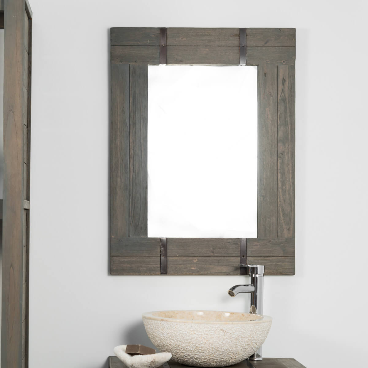 Miroir de salle de bain loft 60x80 gris d co wanda collection for Miroir bois gris