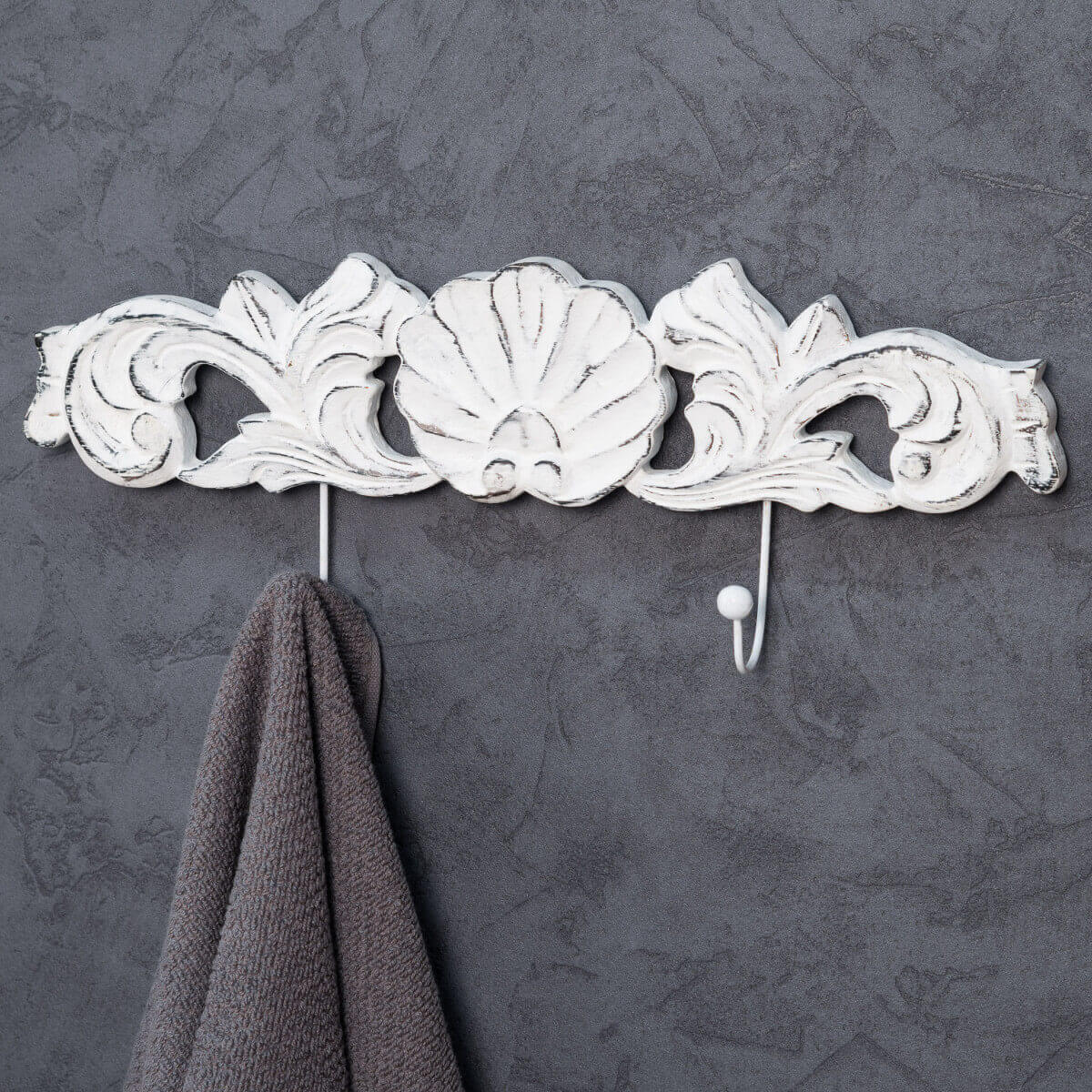 porte serviette mural double crochet baroque blanc wanda collection. Black Bedroom Furniture Sets. Home Design Ideas
