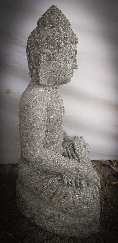Statue de bouddha pierre volcanique position offrande for Statue de jardin zen