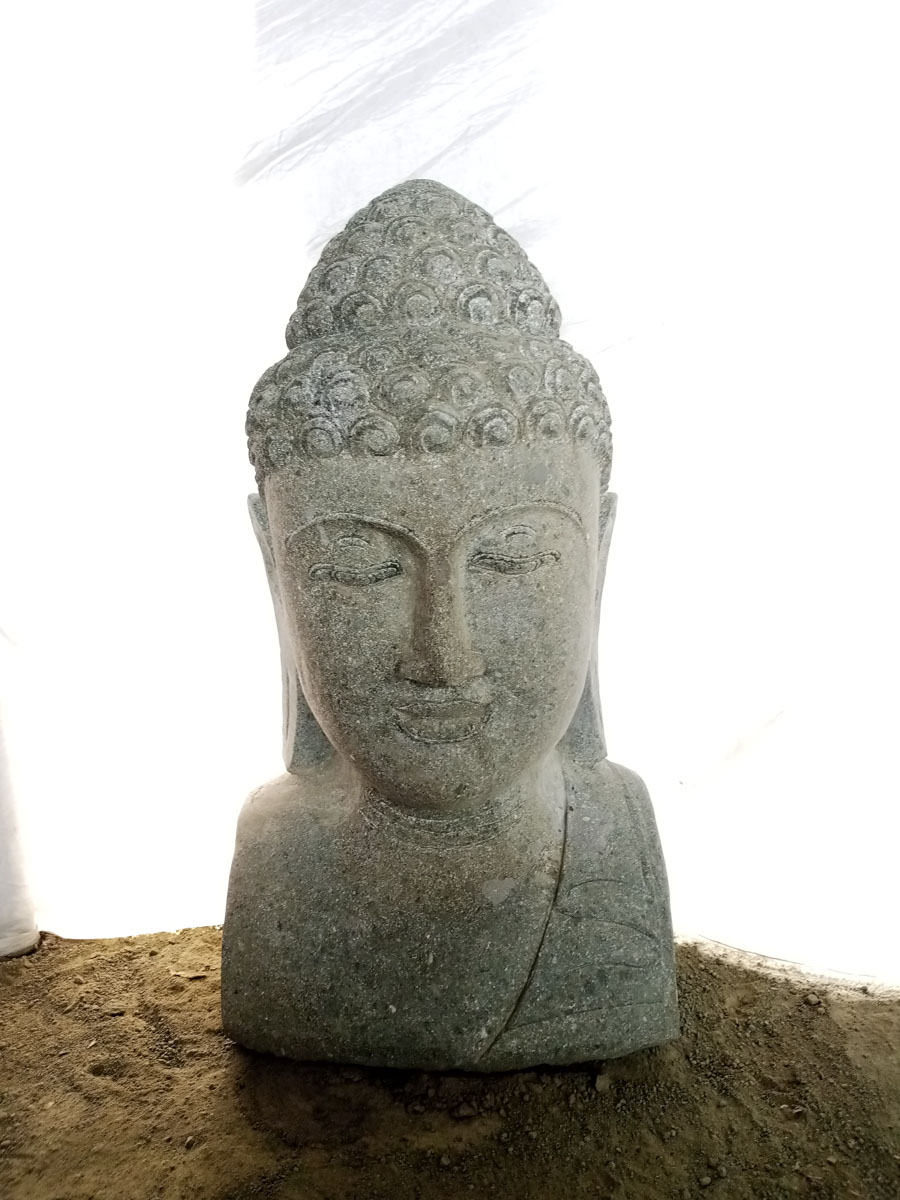 Statue de bouddha buste en pierre naturelle pierre volcanique zen h 70 cm for Decoration jardin bouddha