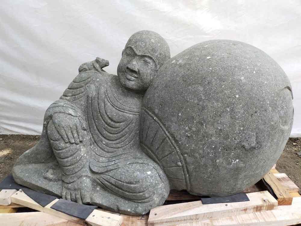 statue statue de jardin moine allong pierre massive 1m. Black Bedroom Furniture Sets. Home Design Ideas