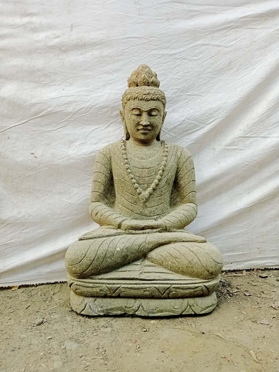 statue exterieur jardin zen bouddha en pierre volcanique assis collier 80 cm. Black Bedroom Furniture Sets. Home Design Ideas