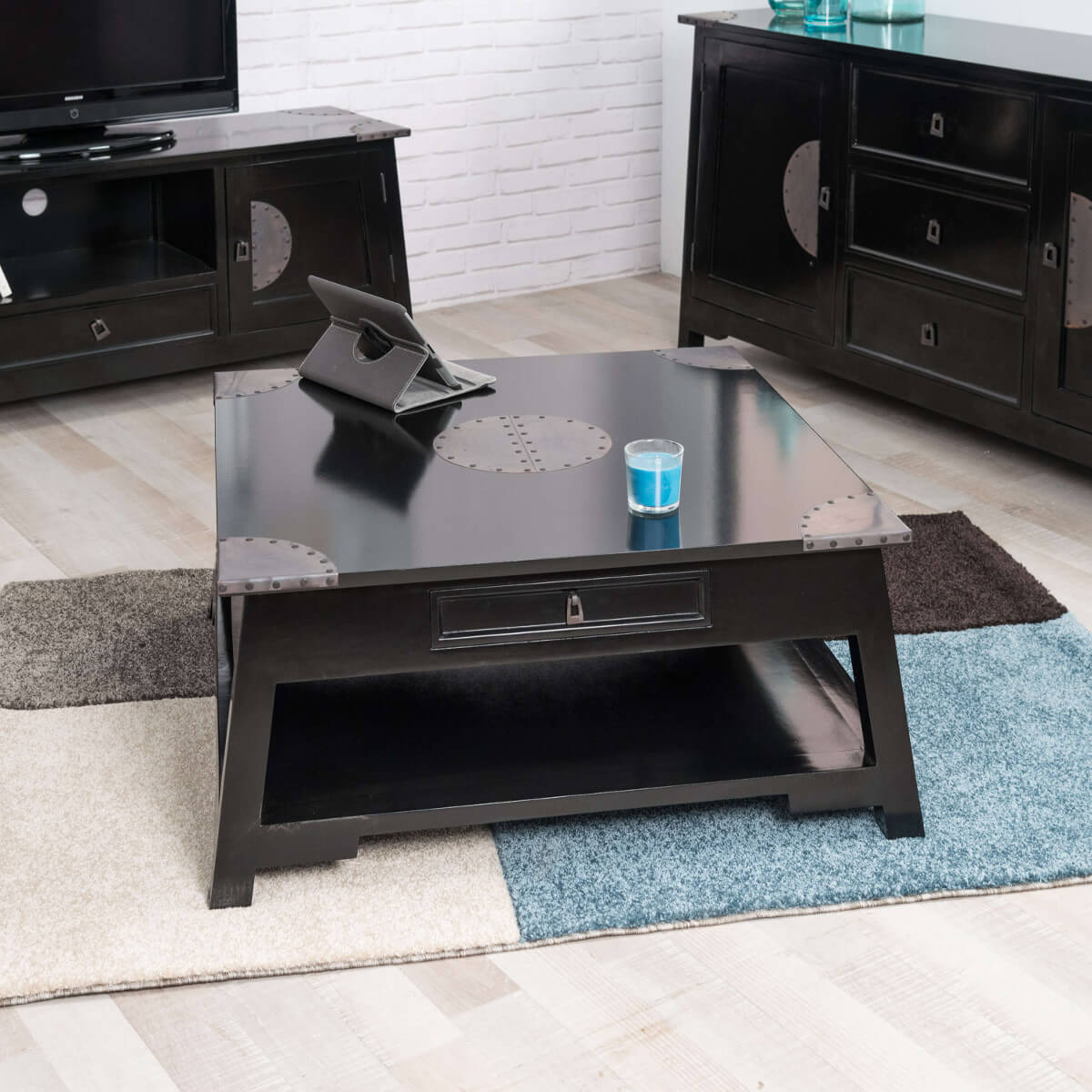 table basse acajou bois massif carr e noire thao 85 cm. Black Bedroom Furniture Sets. Home Design Ideas