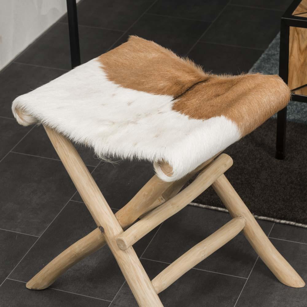 tabouret pliant tabouret bois carr en peau de ch vre lodge. Black Bedroom Furniture Sets. Home Design Ideas